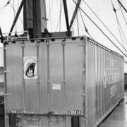 hal, container op- en overslag, historie, geschiedenis,haven van rotterdam, havenfoto, foto, foto's, rotterdam, haven, historie container op-en overslag rotterdam, apmt rotterdam,apm,kramer, rwg, c.steinweg, qd, kroonvlag, ect, mtr, handelsveem, jc meijers, rst, umiport,ect delta, hanno, euromax, ect,unitcentre, ect home,havenwerk010, containers, port of rotterdam, containercargo, cargo, harbourphoto, photo, pictures, history container rotterdam , dockworkrotterdam.com, rotterdamhavenwerk.nl,containerhandling, laden en lossen, haven,hal,