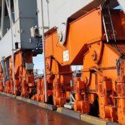 wielen van de havenkraan