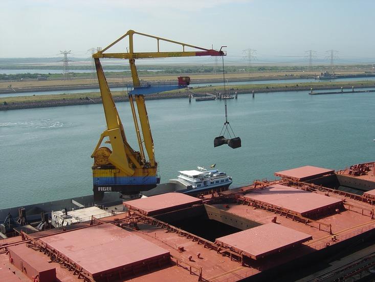 Foto 39 s bulk op en overslag in de haven van rotterdam for Ebs rotterdam