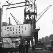 container op- en overslag, historie, geschiedenis,haven van rotterdam, havenfoto, foto, foto's, rotterdam, haven, historie container op-en overslag rotterdam, apmt rotterdam,apm,kramer, rwg, c.steinweg, qd, kroonvlag, ect, mtr, handelsveem, jc meijers, rst, umiport,ect delta, hanno, euromax, ect,unitcentre, ect home,havenwerk010, containers, port of rotterdam, containercargo, cargo, harbourphoto, photo, pictures, history container rotterdam , dockworkrotterdam.com, rotterdamhavenwerk.nl,containerhandling, laden en lossen, haven,hal,
