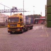 container op- en overslag, historie, geschiedenis,haven van rotterdam, havenfoto, foto, foto's, rotterdam, haven, historie container op-en overslag rotterdam, apmt rotterdam,apm,kramer, rwg, c.steinweg, qd, kroonvlag, ect, mtr, handelsveem, jc meijers, rst, umiport,ect delta, hanno, euromax, ect,unitcentre, ect home,havenwerk010, containers, port of rotterdam, containercargo, cargo, harbourphoto, photo, pictures, history container rotterdam , dockworkrotterdam.com, rotterdamhavenwerk.nl,containerhandling, laden en lossen, haven,