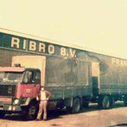 vrachtauto bij de ribro