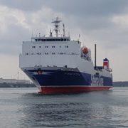 roro schip stena scotia van stena line in de haven van rotterdam