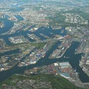 luchtfoto van de waalhaven en eemhaven rotterdam