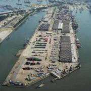 overzichtsfotovan de beatrixhaven en frisohaven in de port of rotterdam c.steinweg